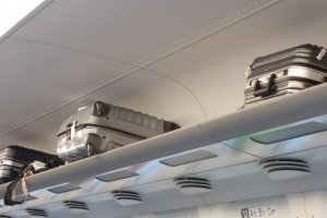 overhead shelf on Shinkansen