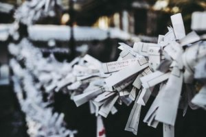 tie a omikuji paper when you pick a bad luck