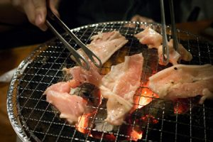 Yakiniku, Japanese grilled meat, grilling meat